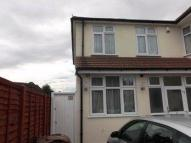 Flat in PRESTWOOD AVENUE  KENTON...