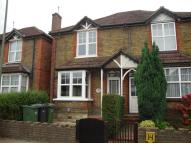 3 bedroom semi detached house to rent in Walnut Tree Close...