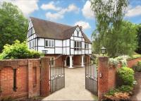 property to rent in Riversdale, Bourne End, Buckinghamshire, SL8