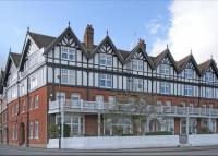 property to rent in Royal Mansions, Station Road, Henley-On-Thames, Oxfordshire, RG9