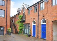 2 bed Flat to rent in Brakspear Mews...