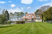 7 bedroom Detached property to rent in Icknield Road, Goring...