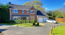 4 bed Detached house in St Ives Close...