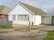Bungalow to rent in East Bracklesham Drive...