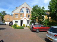 4 bedroom home in Kendal Place, Putney...