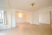 4 bedroom Flat in Richmond Hill, TW10