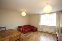 1 bed Flat to rent in Sheen Lane, East Sheen...