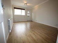 2 bed property in Bexhill Road, East Sheen...