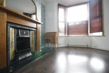 Flat to rent in Vicarage Road, Leyton