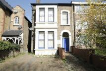 Studio flat to rent in Hainault Road...