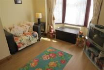 Flat to rent in Leasowes Road, Leyton