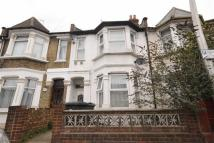 2 bed Maisonette to rent in Ruckholt Road, Leyton