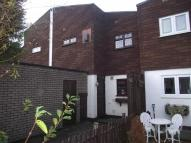 3 bed property in Shillibeer Walk, Chigwell