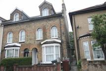 2 bedroom Flat in Grange Park Road, Leyton