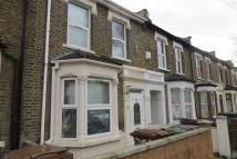 Flat to rent in Murchison Road, Leyton