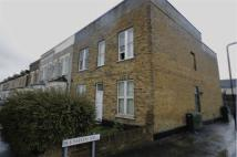 Flat to rent in Cann Hall Road...