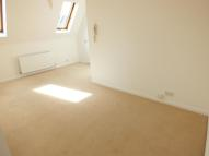 Flat to rent in HERSHAM ROAD...