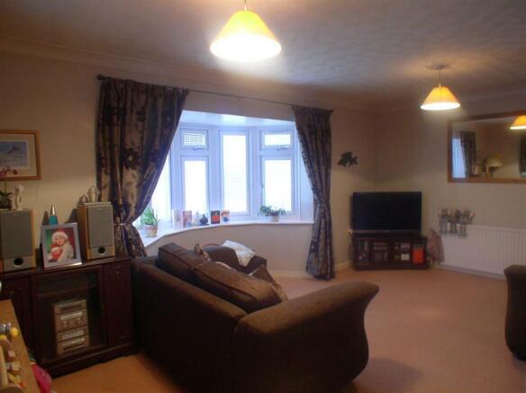 7 Churchfield lounge