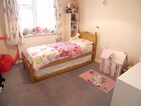7 Churchfields Bed2.