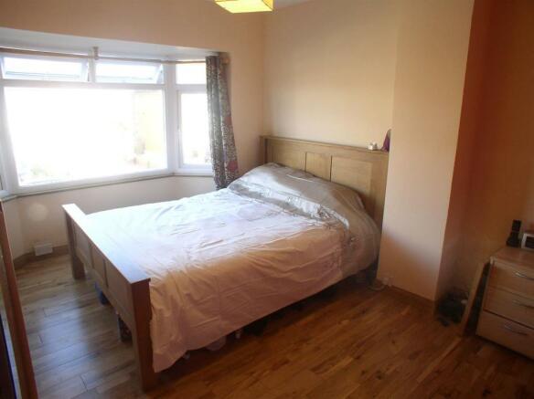 26 Braycourt ave bed