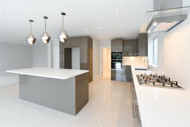 19 Beauchamp road kitchen.jpg
