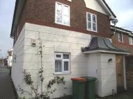 1 bed Flat to rent in Maplin Road...