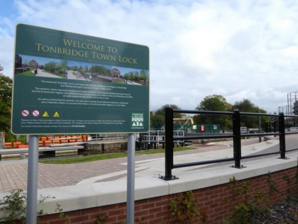 Tonbridge Lock