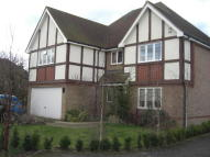 5 bed Detached property to rent in The Lawns...