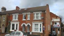 Flat to rent in Castle Road, Bedford...