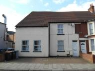 5 bed semi detached house to rent in Fosterhill Road, Bedford...