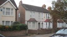 5 bed semi detached house to rent in London Road, Bedford...