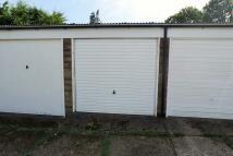 Garage in Warren Terrace, Hertford to rent