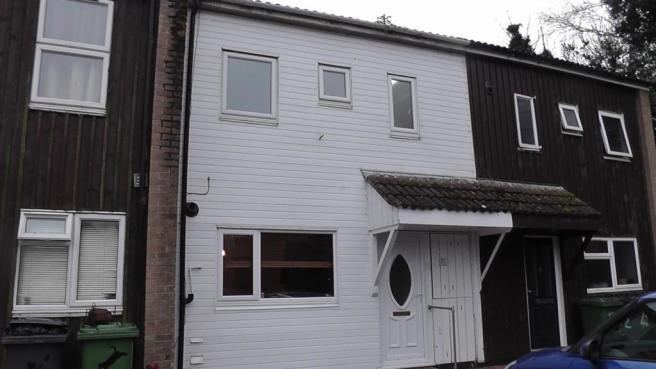3 bedroom terraced house to rent in stagsden orton for Garden rooms stagsden
