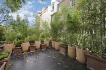 property to rent in Queens Gate Mews, London, SW7