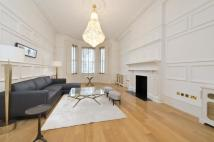 3 bed Ground Flat to rent in Queens Gate, London, SW7