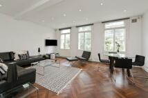 2 bedroom Flat in Queens Gate, London, SW7
