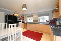 4 bedroom Detached property in Stonesfield, Witney