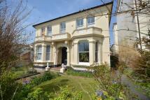 5 bedroom home in Ellenslea Road...