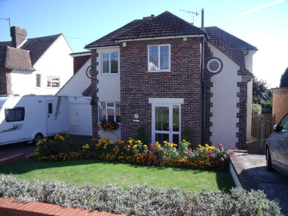 4 Bedroom Detached House For Sale In Glassenbury Drive