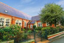4 bedroom semi detached house in Penycae Road, Ruabon...