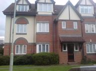 Flat to rent in Latimer Court...