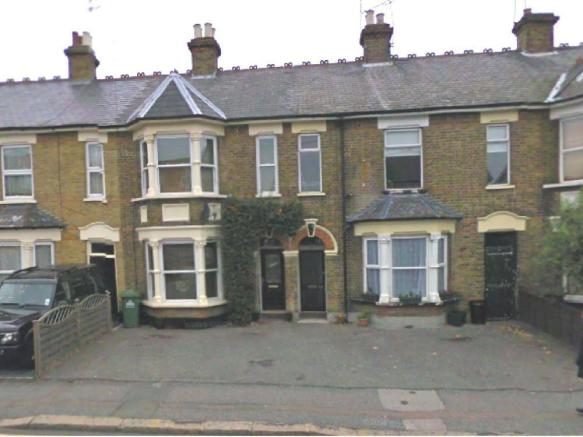 2 Bedroom Flat To Rent In Turners Hill Cheshunt
