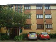 Flat to rent in Shackleton Place...