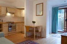 Apartment to rent in Reporton Road, Fulham