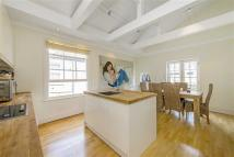 3 bedroom Apartment in Fulham Palace Road...