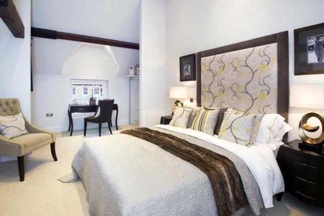 Master Bedroom (Sh)