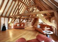 5 bedroom Detached property in High Street, Yalding...