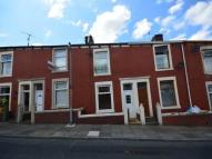 Earl Street Terraced property to rent