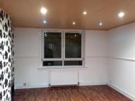 Link Detached House to rent in Broadstone Avenue...