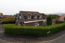 4 bedroom Detached house in Fountains Avenue...